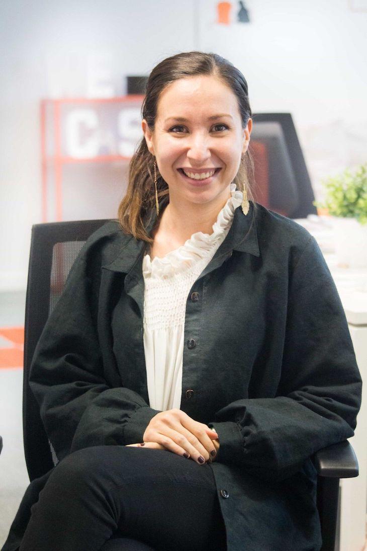 Portrait de Lauriane, chargée de clientèle de la start-up Wecasa