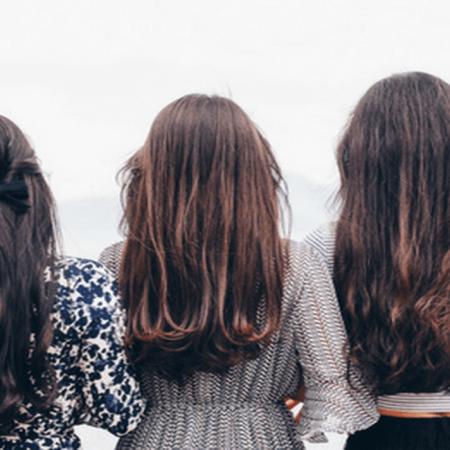 4 idées de coiffures pour assister à un mariage