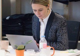 """Interview du quotidien, Fanny, responsable marketing Wecasa : """"Mieux vaut faire quelque chose d'imparfait que de ne rien faire du tout"""""""
