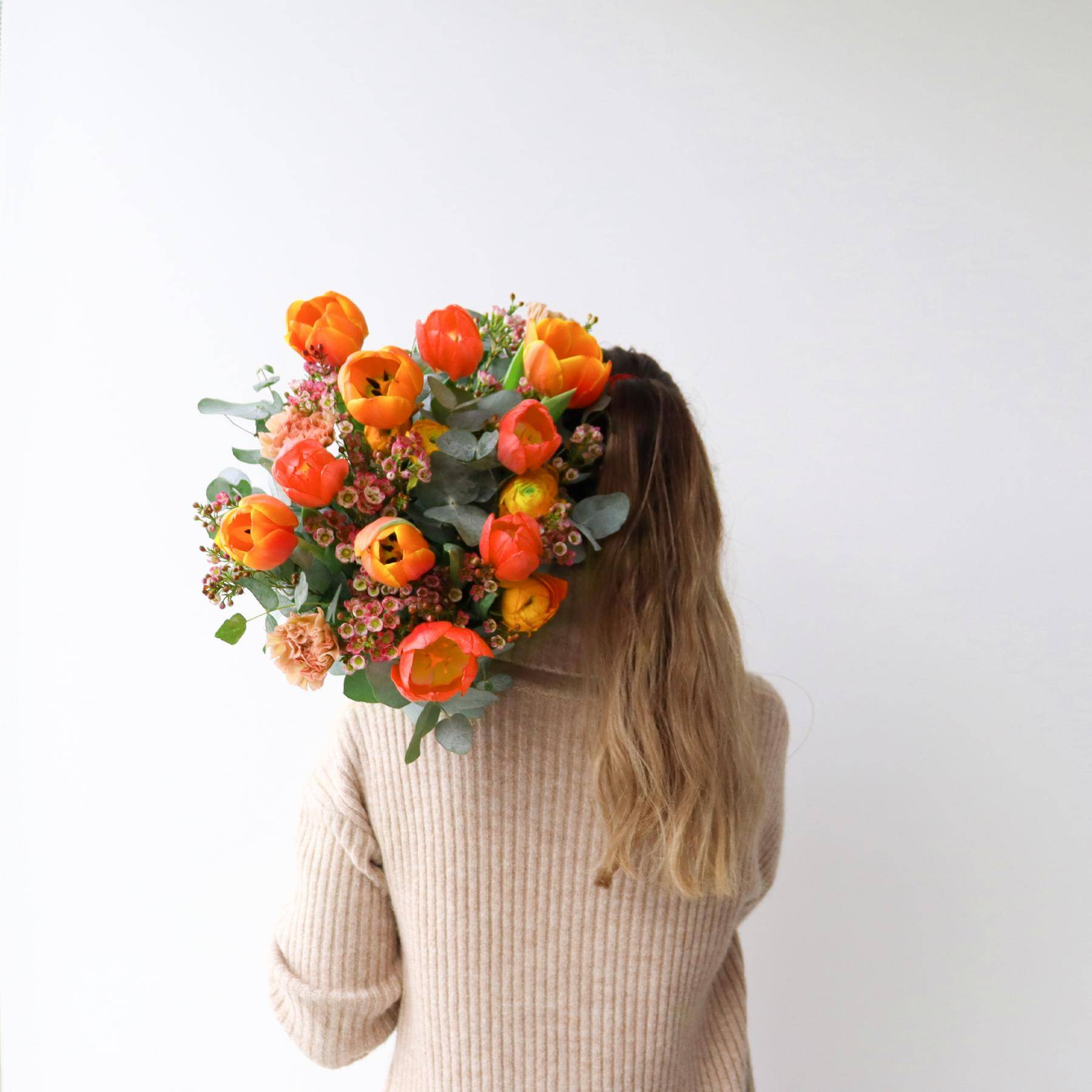 Quel membre de l'équipe se cache derrière ce beau bouquet ?