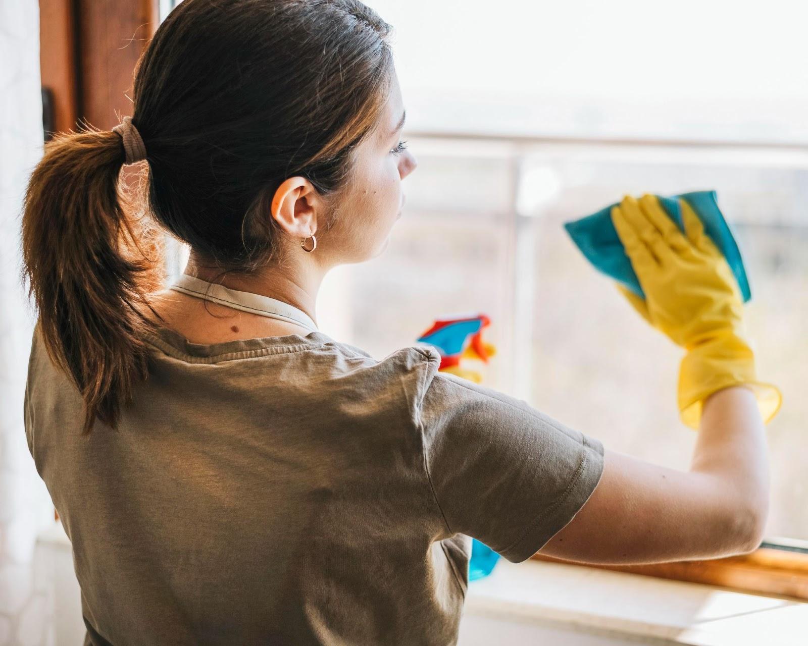Comment nettoyer les fenêtres et baies vitrées ?